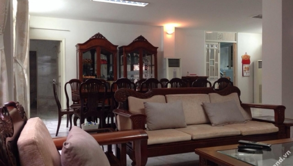 Villa District 3 for sale on Hai Ba Trung Street