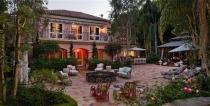 Villas for sale facade Tran Quoc Thao District 3, area land 850m2 corner 2 large frontage