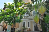 Thao Dien apartment for sale with pool, garden