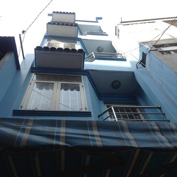 Bán nhà phố 220 Lê Văn Sĩ - Quận 3 lô 2 mặt hẻm đẹp mắt