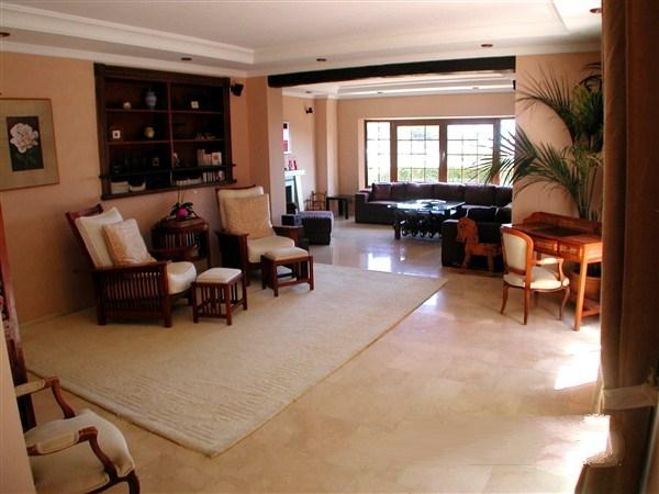 Cho thuê biệt thự Phú Mỹ Hưng quận 7 nội thất sang trọng
