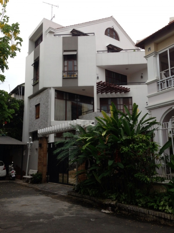 Villa for rent in Binh Thanh beautiful pool