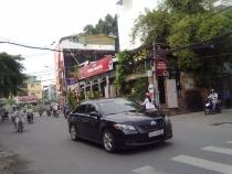 Cần cho thuê nhà phố mặt đường quận Phú Nhuận