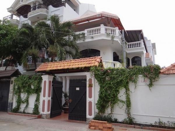 Biệt thự cho thuê quận 2 nhà đẹp hiện đại giá hấp dẫn