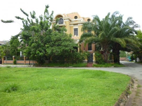 Bán đất quận 2 đường Nguyễn Văn Hưởng 485m2 tiện làm khách sạn