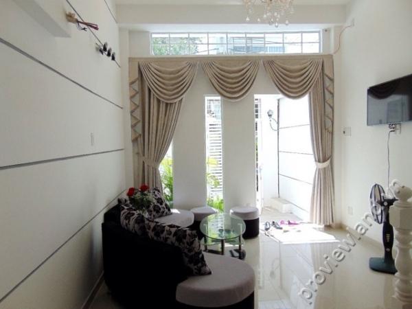 Nhà phố cho thuê quận 2 tại Thảo Điền 2 phòng ngủ