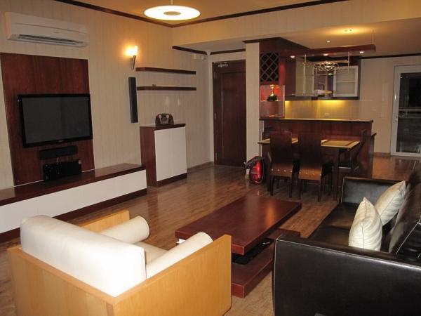 Cần bán gấp căn hộ Hùng Vương Plaza nhiều tiện ích