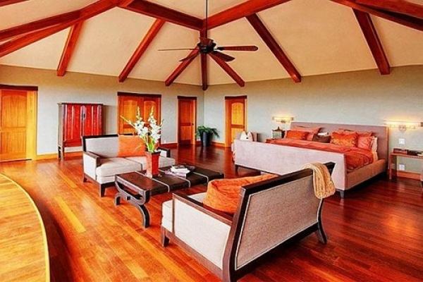 Cho thuê nhà mặt tiền đường Đồng Khởi Quận 1