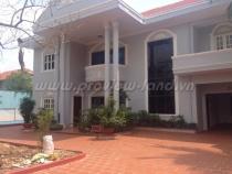 Cho thuê villa đường Xuân Thủy hồ bơi đẹp giá tốt